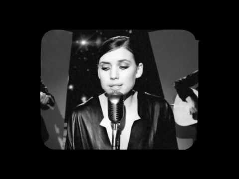 Lykke Li – 'Sadness Is a Blessing' (Live on the Moon)