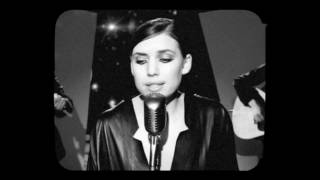 Клип Lykke Li - Sadness Is A Blessing (live)