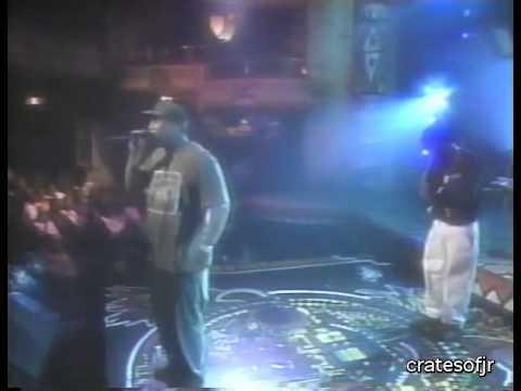 """De La Soul Perform """"Breakadawn"""" Live in '93"""