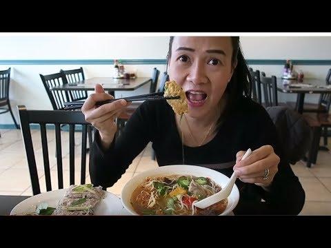 Ăn phở , Eating pho Vietnamese, ăn bún riêu, chả ốc,chả giò,Cuộc sống ở Mỹ.