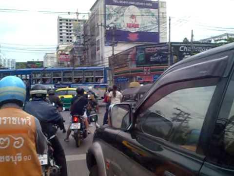 Crazy Bangkok Traffic 2009 – Taxi motorcycle SF2 & Akim
