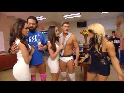RAW 11/03/13: The Bella Twins Return To Manage The Rhode Scholars