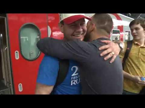 В Калининград прибывают первые бесплатные поезда с болельщиками