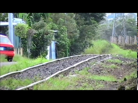 Trenes en Heredia (en ascenso y descenso), Quebrada Gertrudis.