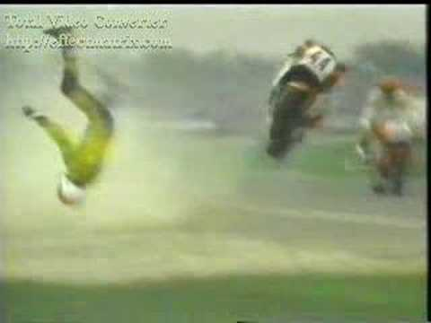 Mile Pajic crashes in Assen and breaks his hip. (1987) www.pajic-racing.nl.