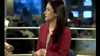 Aaj  PAKISTANI TV News Caster Fight With Makeup Artist
