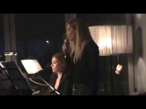 Anna and Lia Vissi Live, I Pikra Simera, Athens - 19/11/2011 [fannatics.gr]