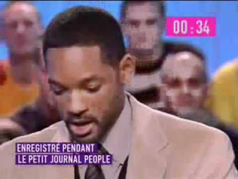 Will Smith solves the Rubik's Cube live on air