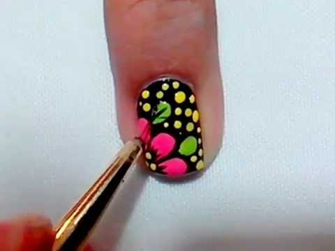 Diseño De Uñas Con Flor/Nail Design with flower Pink on Black