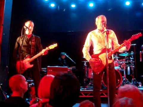 FRANCIS ROSSI - Live at Manchester Academy 2010