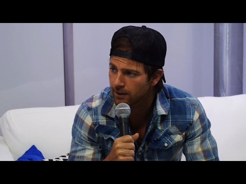 Kip Moore At The 47th Annual Cma Awards - Blue Room Exclusive! video