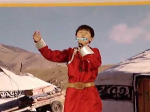 2012.5.13 烏達木在香港荷里活廣場獻唱「奔馳的馬」