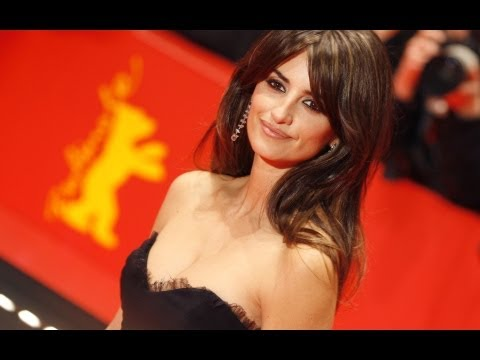 Penelope Cruz Is The New BOND Girl - AMC Movie News