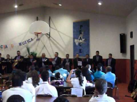 RONDALLA DE PASCO WA CANTANDO EN OTHELLO WA