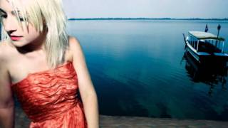 Watch Kate Miller-Heidke The Day After Christmas video
