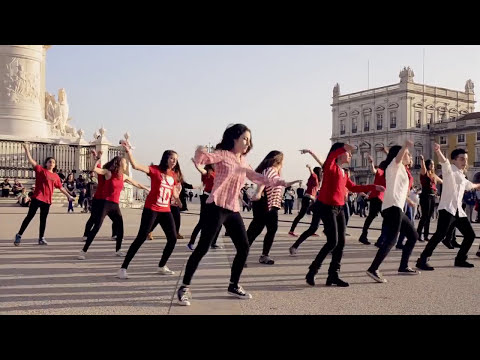 Flash Mob 1D Midnight Memories - Portugal