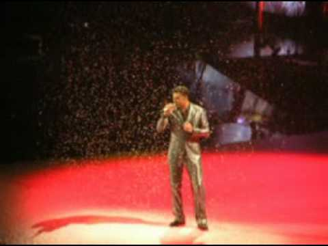 George Michael - Last Christmas (2min clip)