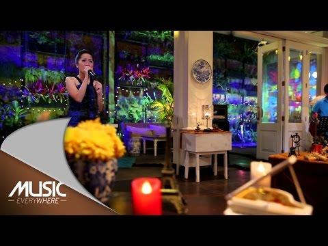 download lagu Karina Salim - Because Of You Live At  E gratis