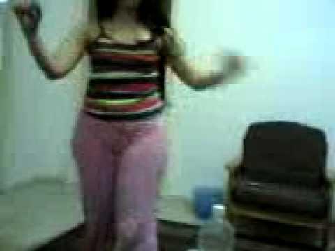 رقص المحجبة Izle Dinle