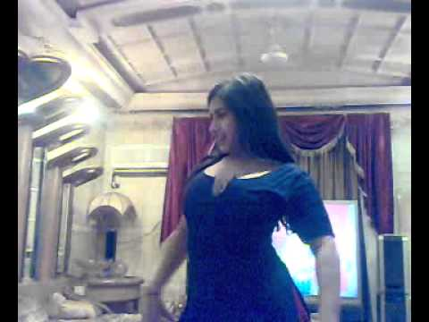 Pushto hot dance in room.........cooool