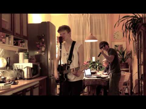 One Way Or Another - One Direction ( Official Live Version From Kitchen) video
