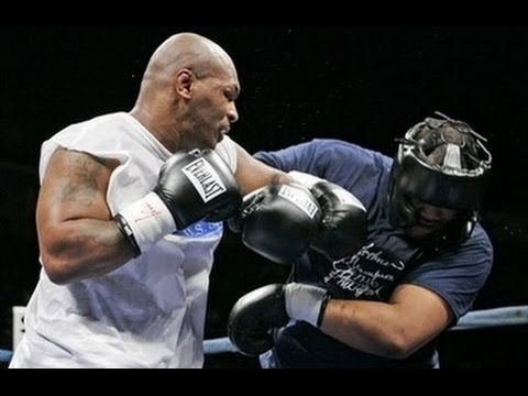 Майк Тайсон - Кори Сандерс : Mike Tyson vs Corey Sanders показательный бой