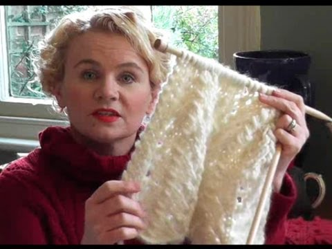 CHUNKY LACE SCARF KNITTING TUTORIAL - Free Lace Scarf Knitting Pattern With Video Guide