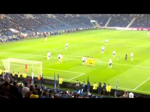 Golo Cristian Tello - F.C.Porto vs Pa�os de Ferreira