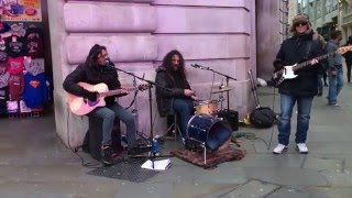 The Beatles, I Saw Her Standing There (Funfiction cover) - busking in the streets of London, UK