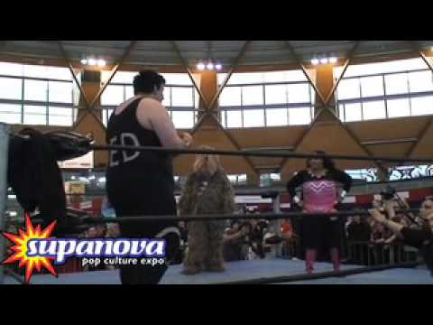Fat Momma and Chewbacca Vs Massive Q! wrestling at Supanova Video