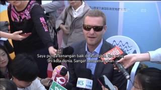 Bebek raksasa setinggi 18 meter di Shanghai Cina - NET24