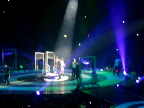 britney spears toxic live. Britney Spears - Toxic (LIVE.