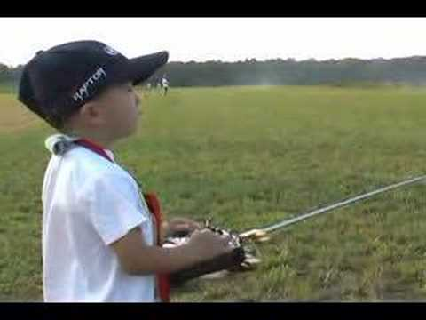 4 Year Old Justin Jee - RC Heli Stick Movement - Sep 2006