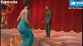 Download Deepika Padukone hot big assets exposed at award show 3Gp Mp4
