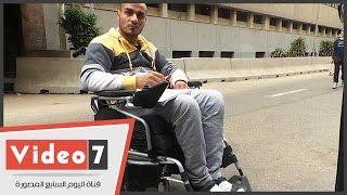 أحد مصابى الثورة يطالب «محلب» باستكمال علاجه بالخارج