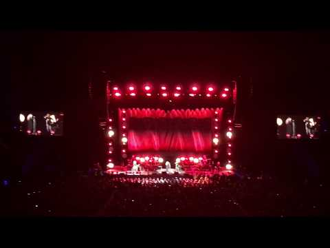 Stevie Nicks (with Chrissie Hynde) - Stop Dragging My Heart Around, Perth Arena, Perth