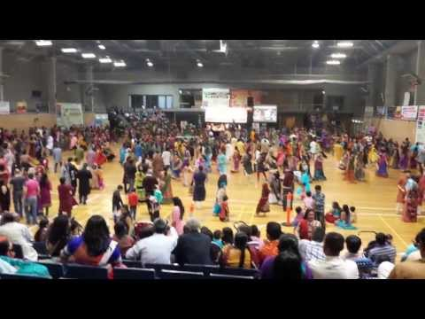 Atul Purohit Garba  Sydney 2013 Day 1 video