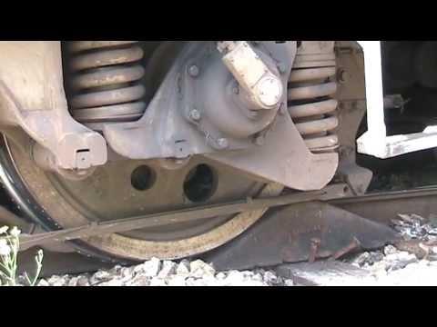 Сход тепловоза ТЭП70 / Rerailing derailed TEP70-0320
