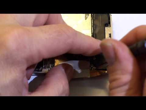 Apple iPhone 4 riparazione vetro rotto e sostituzione connettore dock