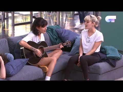 NATALIA y ALBA cantan TOXIC en ACÚSTICO   OT 2018 thumbnail