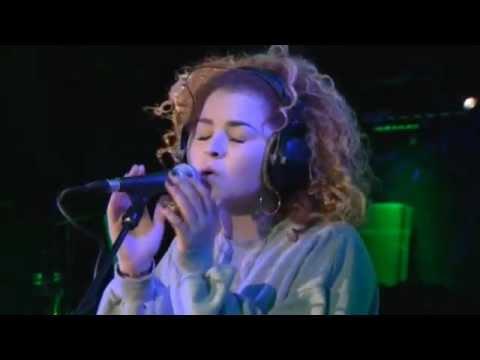 Rudimental - Waiting All Night ft. Ella Eyre (BBC Radio 1 Live Lounge)