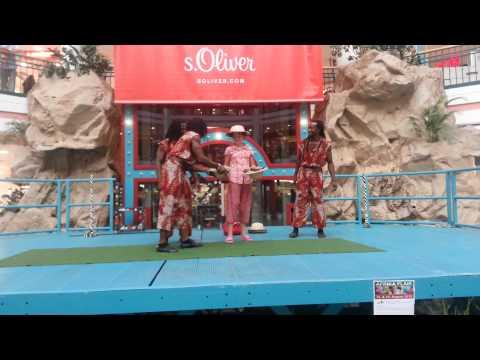 Vituko Matata (Kenya) - African Artist Acrobats / SHOW