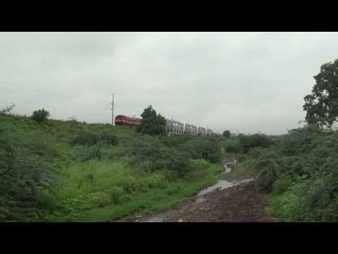 THUNDERING TAMIL NADU EXPRESS SMARTLY CRUISING OVER WUNNA BRIDGE, NGP - BPQ SECTION