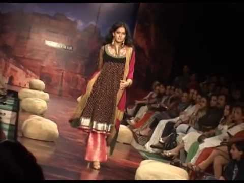 Dateline Media -KolKATA FASHION WEEK