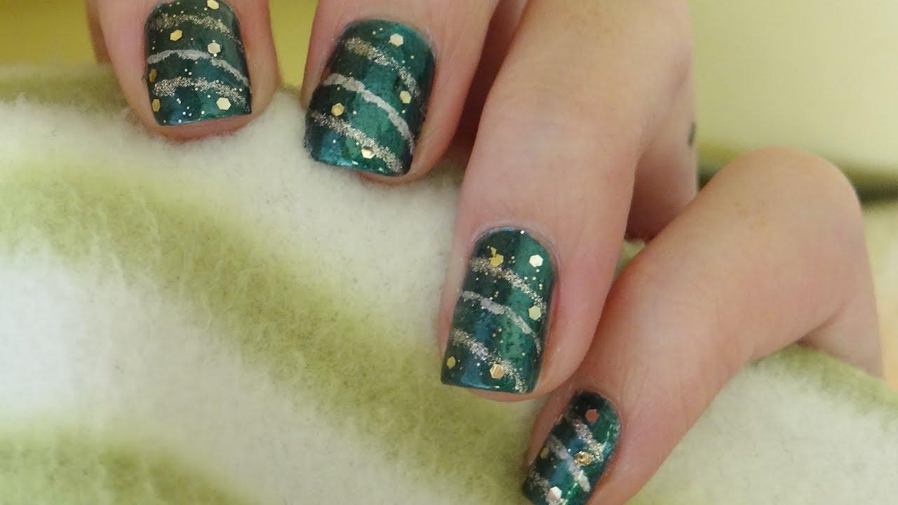 Dise o navide o de u as inspirado en guirnaldas y bolas - Arboles de navidad de diseno ...