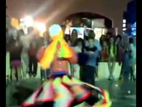 طفل مصرى يرقص التنورة thumbnail
