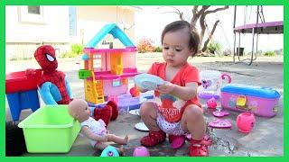 Bé Mango Chơi Đồ Chơi Bộ Bình Trà Chuột Minnie & Tắm Cho Búp Bê Và Người Nhện / Đồ Chơi trẻ