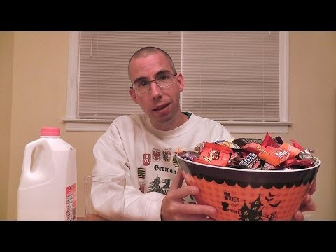 ASMR All Hallows' Eve 2013 [2nd annual Halloween candy eating]