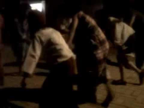 Tari Ganrang Bulo Versi Elektro Unismuh Makassar.3gp video