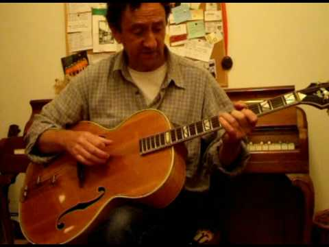 Jazz guitarist Piers Clark talks about 3 string chords and Count Basie's guitar player Freddie Green